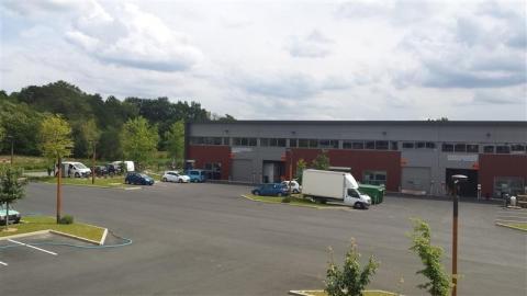 Location Activités Entrepôts SAINT ETIENNE DE MONTLUC - Photo 1