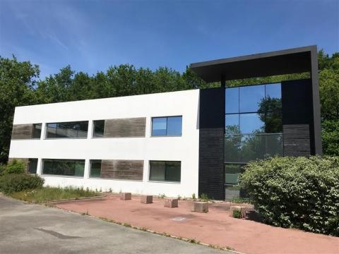 Location Bureaux ORVAULT - Photo 1