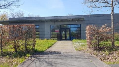 Location Commerces CARQUEFOU - Photo 4