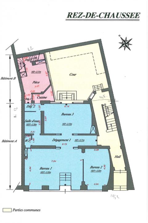LOCAL COMMERCIAL et BUREAUX, DE 140 M², DANS IMMEUBLE DE CARACTERE A LOUER A ORLEANS