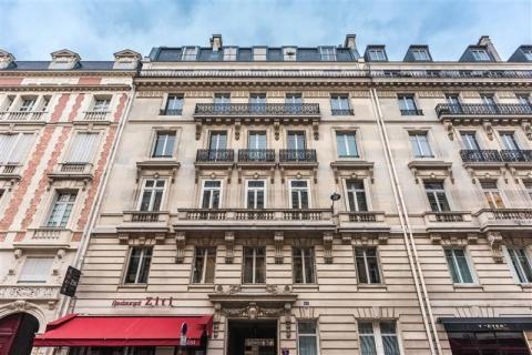 RUE PIERRE CHARRON - Paris 08<br />Location de bureaux - 380 m²