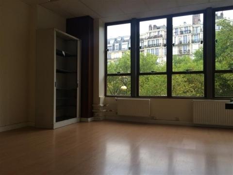 BOULEVARD BERTHIER - Paris 17<br />Location de bureaux - 75 m²