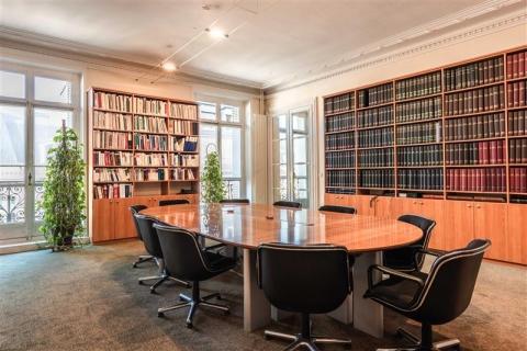 2 avenue Hoche - Paris 08<br />Location de bureaux - 360 m²