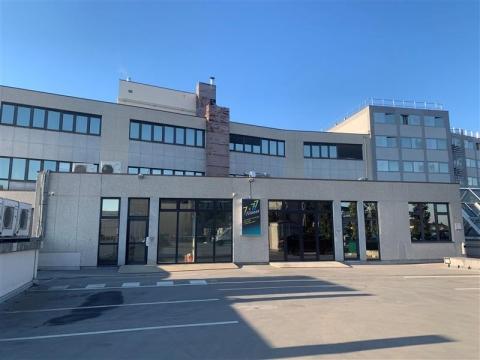 Location Bureaux et activités légères ARCUEIL - Photo 1