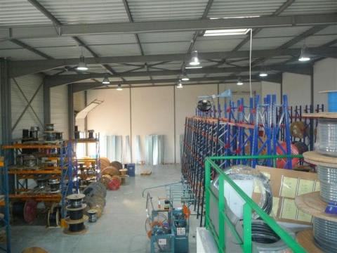 Location Activités Entrepôts CASTELNAU D'ESTRETEFONDS - Photo 1