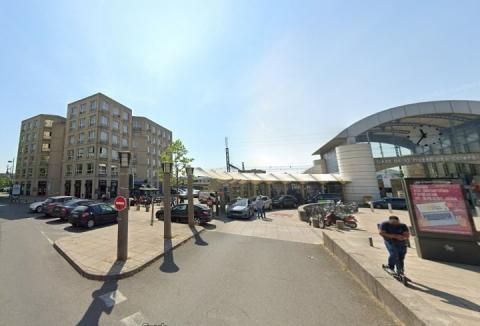 2 lots de bureaux d'environ 114 et 122 m² au pied de la GARE TGV de Saint Pierre des Corps (Tours)