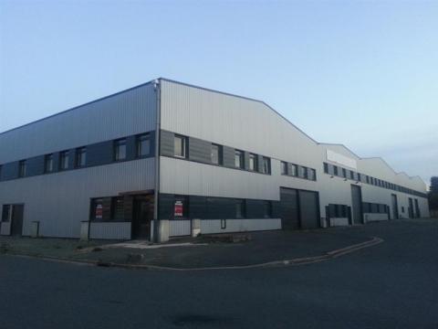 LOCAL D'ACTIVITÉS D'ENVIRON 508 m² à vendre ou à louer, sur la commune de JOUE LES TOURS