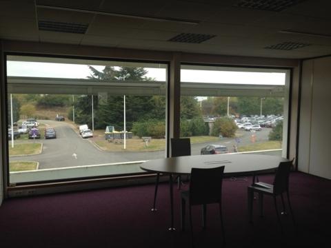 Bureaux à louer sur  le site de l'aéroport à Tours Nord, de 70 m² à 153 m²