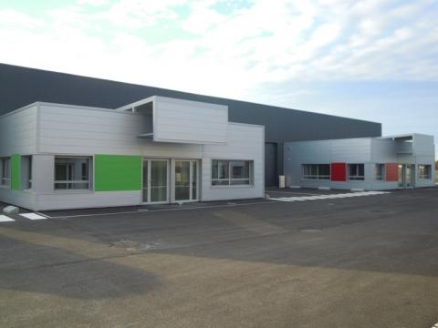Cellules d'activités d'environ 250 m², disponibles à la location au Nord de Tours