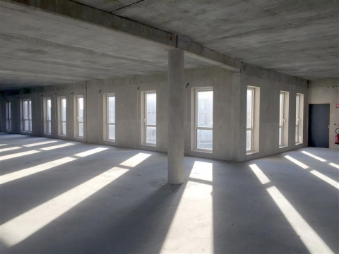 Reste deux plateaux de bureaux neufs, d'environ 232 m² ou 340 m², disponibles à l'achat ou à la location à TOURS