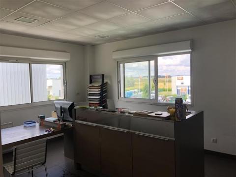Location Bureaux et activités légères ROCHECORBON - Photo 7