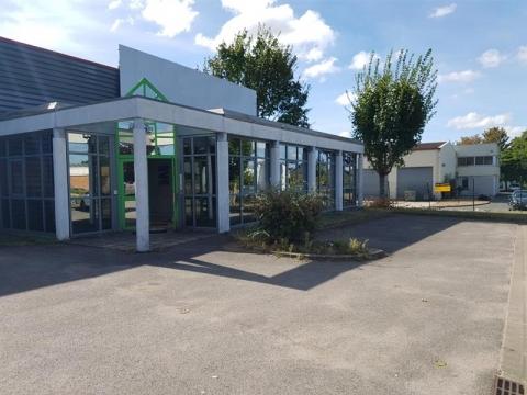 Location Activités Entrepôts PARCAY MESLAY - Photo 2