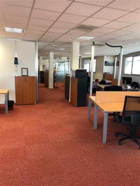 Location Bureaux SAINT PIERRE DES CORPS - Photo 4