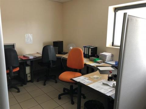 Location Activités Entrepôts LARCAY - Photo 4