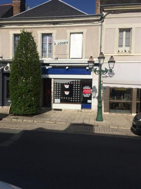 Vente Investisseur Commerces ROMORANTIN LANTHENAY - Photo 1