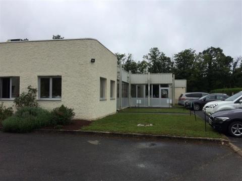 Location Bureaux VINEUIL - Photo 1