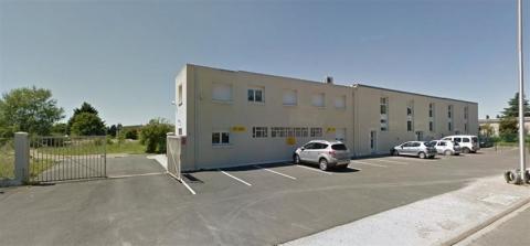ENSEMBLE IMMOBILIER- idéal investisseur - 630 m² ENVIRON SUR UN TERRAIN DE 7 000 M² - A VENDRE - BLOIS