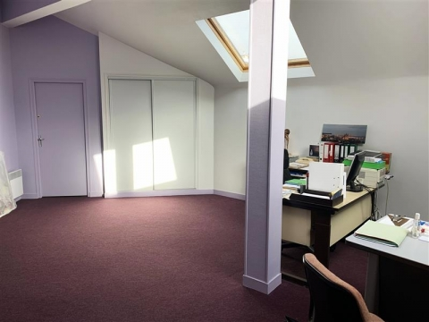 BUREAUX - 135 m² environ - A LOUER - A VENDRE - BLOIS