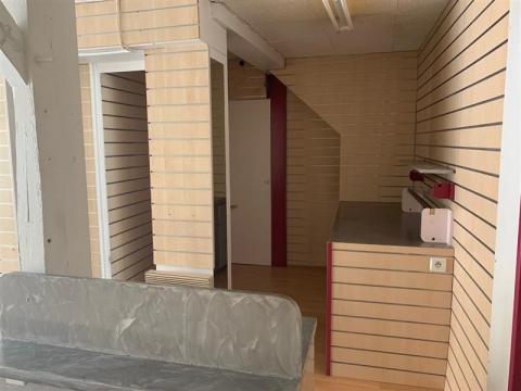 LOCAL COMMERCIAL - 75 m² environ - VENDOME CENTRE VILLE - A LOUER - A VENDRE