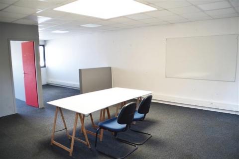 BUREAUX - 63 m² environ - A LOUER - A VENDRE - BLOIS