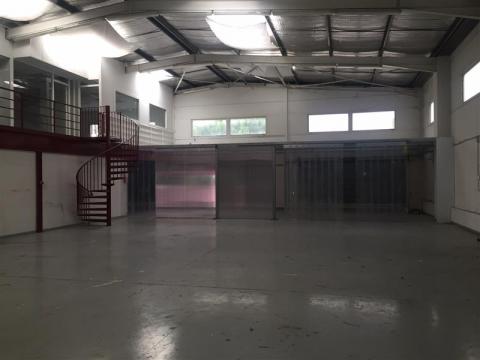 Location Bureaux et activités légères MAUGUIO - Photo 4