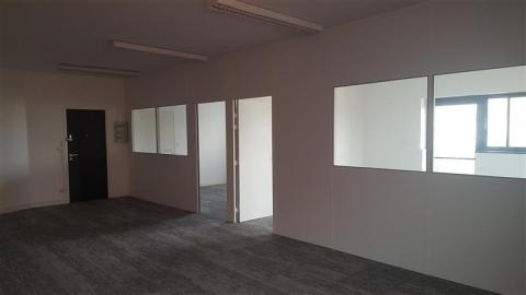 A louer 88 m² de bureaux en Zone Commerciale