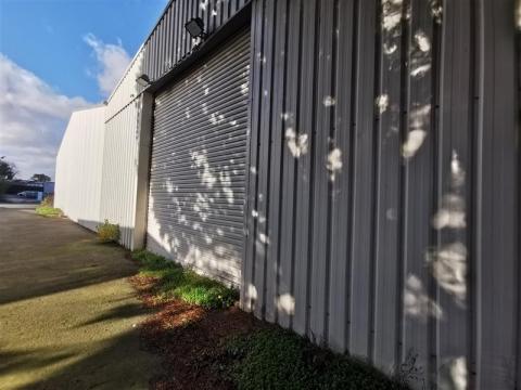 Location Activités Entrepôts LANGUEUX - Photo 1