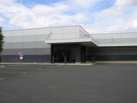 Location Commerces LANGUEUX - Photo 1