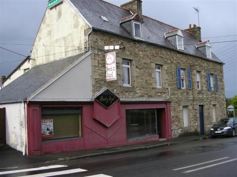Location Commerces LANNION - Photo 1