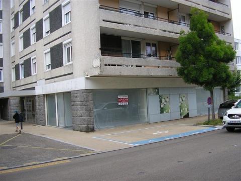 Local commercial de 114 m²