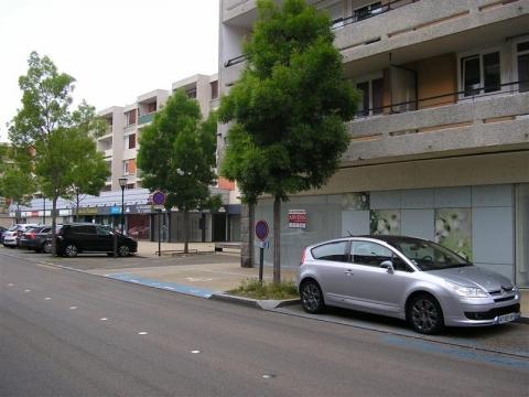 Location Commerces SAINT BRIEUC - Photo 2
