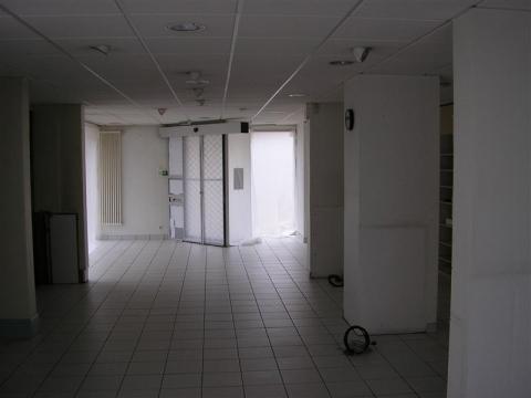 Location Commerces SAINT BRIEUC - Photo 3
