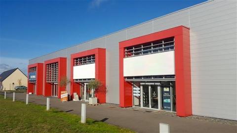 Local d'activités de 390 m² à louer et à vendre