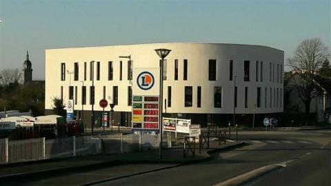 Location Bureaux LAMBALLE - Photo 1