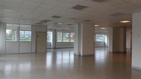 Location Bureaux et activités légères BUC - Photo 2