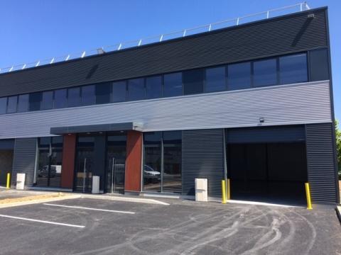 ELANCOURT Cellules neuves activité à louer / à vendre à partir de 370 m²