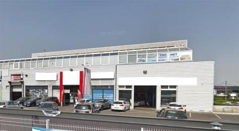 Location Commerces PLAISIR - Photo 1