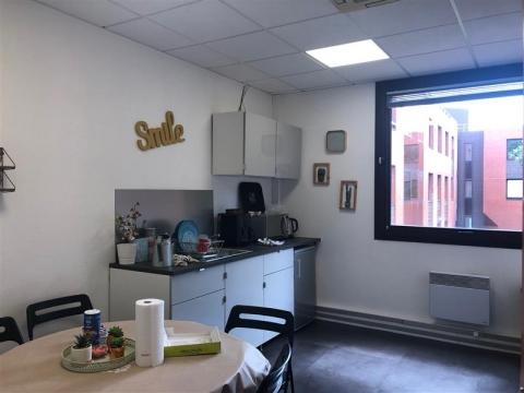 Location Bureaux MONTIGNY LE BRETONNEUX - Photo 3