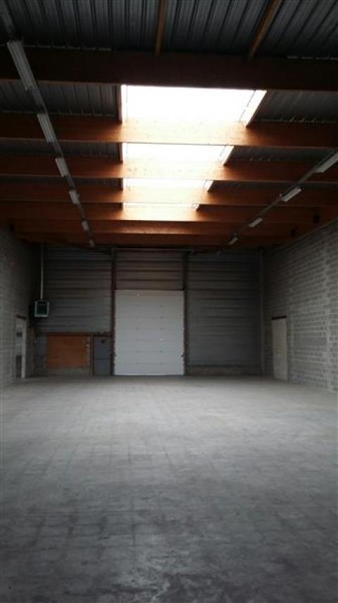 Location Entrepôts COIGNIERES - Photo 3